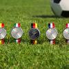 Neue Farben: Mit Gaspard Sartre in den Fußball-Sommer
